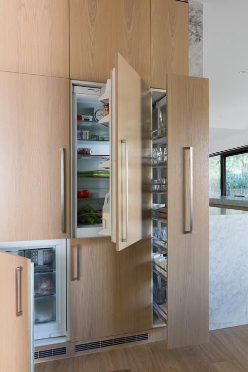 Modern Kitchen with Sub Zero